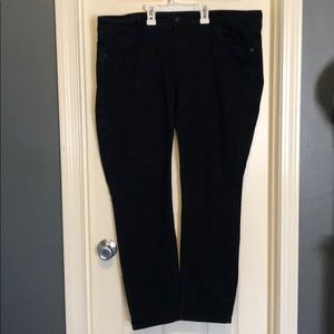 Old Navy black skinny jeans - size 18